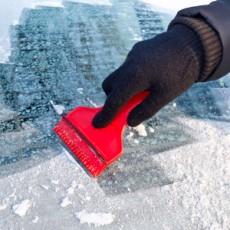 Hasznos tippek a szélvédő jégmentesítéséhez