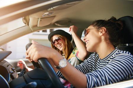 éneklés vezetés közben