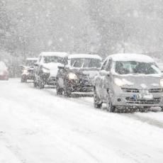 Hogyan vezessünk havas úton?