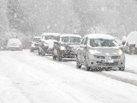 vezetés hóban