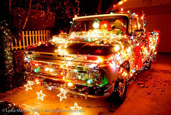 http://www.activeinsurance.com/wp-content/uploads/2013/12/truck_Christmas-Art_Car.jpg